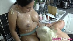 Granny covers lesbian babe in cake Thumb