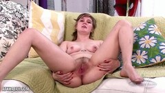 Claire Daze fucks her hairy mound Thumb