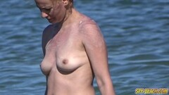 Boobs Amateur Beach MILFs Thumb