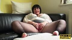 Mature plumper masturbating Thumb