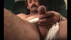 Mature Amateur Reed Jerking Off Thumb