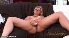 babe Zoey Tyler masturbating Thumb