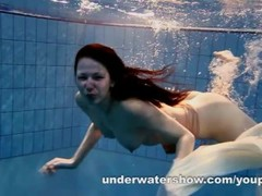 Andrea shows nice body underwater Thumb