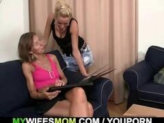 Briana Blair Lesbian Bathtime Massage & Toy Fucking Thumb