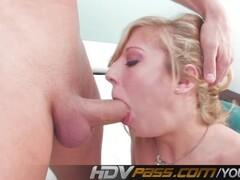 Stefania Sandrelli - Una donna allo specchio - Nude scenes Thumb