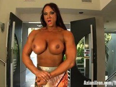 Aziani Iron Amber Deluca female bodybuilder - amazon woman Thumb