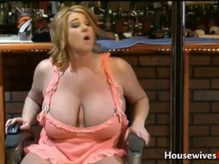 Fuck queen of porn busty mature Zoey Andrews! Thumb