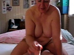 granny handjob++++videos-porno.tv++ Thumb