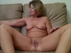 Milf and granny masturbation Thumb