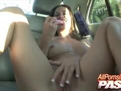 Classic MILF Outdoor Lesbians Thumb