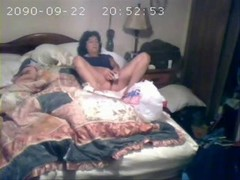 Hidden cam catches mom first time Thumb