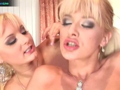 Natalie and Jenny lesbian anal play Thumb
