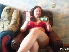adult woman masturbates bottles Thumb