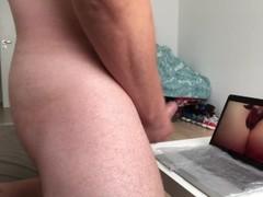abspritzen beim Porno schauen Thumb