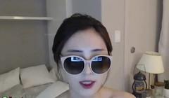 Sexy Korean shows her big boobs Thumb
