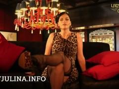 Lady Julina in echten Nylon Struempfen Strapse Stockings Thumb
