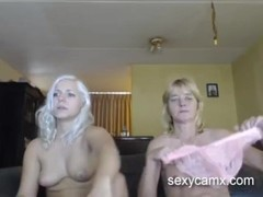 StepMom and daughter live strapon show Thumb
