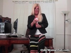 Office milf Blake from the US dildos her fuckable pussy Thumb