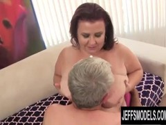 Fat Mature Beauty Lady Lynn Gets Pummeled by an Old Cock Thumb