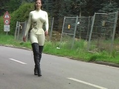 Lady Pantera - latex, leather, corset & high heels - 004 Thumb