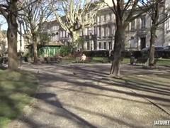 Jacquie et Michel TV : A Bordeaux avec Lou 20 ans un physique époustouflant Thumb