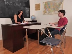 Naughty America Rachel Starr shows student how to please a woman Thumb