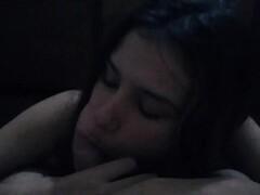 Novinha trai o noivo com ex namorado na cama do corno enquanto ele assiste Thumb