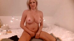Bombshell mother Dahlia to have a deep anal in live cam show Thumb